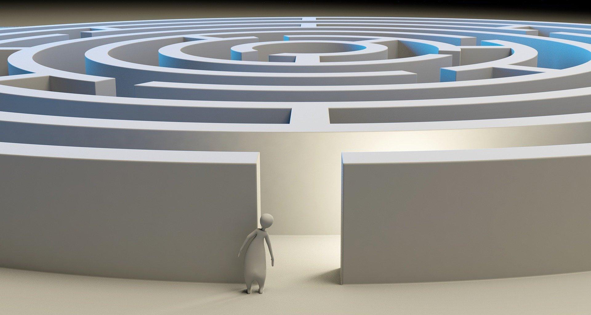 A maze representing common magazine UX issues